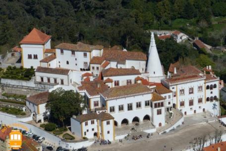 Le palais de Sintra (que nous avons visité) Source gotoportugal.eu